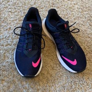 Nike Shoes - Nike quest running shoes size 8 navy and pink
